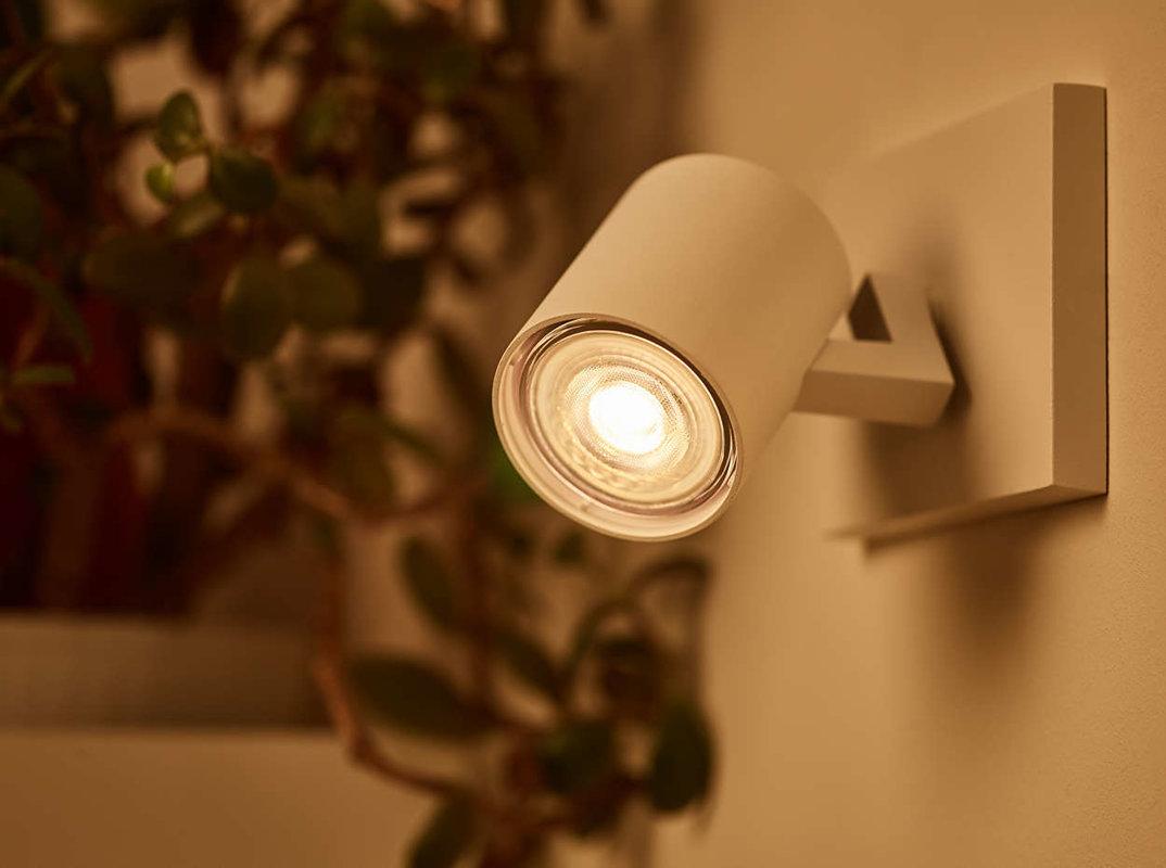 3,8W (50W) 345 lm 2200-2700K 36° dimmējama LED spuldze PHILIPS GU10